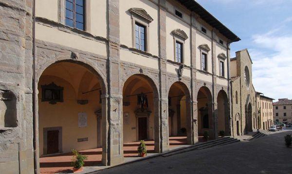 sansepolcro- palazzo delle laudi